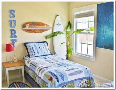 Decora la tua casa con una tavola da surf fatta con i pallet