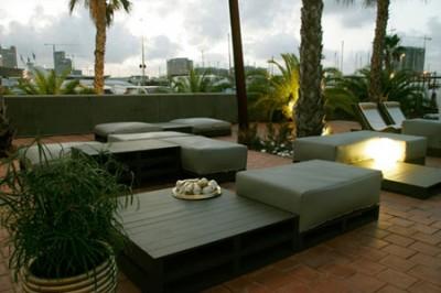 Eleganti mobili di design realizzati dai pallet  3