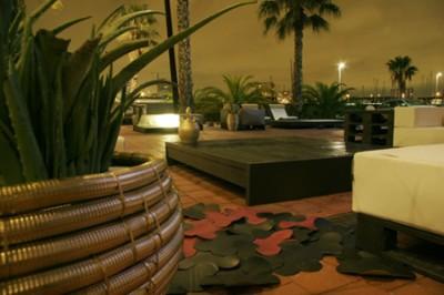 Eleganti mobili di design realizzati dai pallet  8