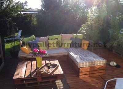 Garden Lounge realizzato con pallet 2