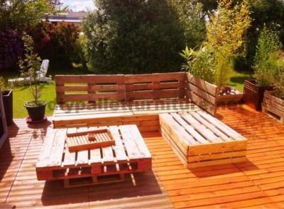 Garden Lounge realizzato con pallet 3