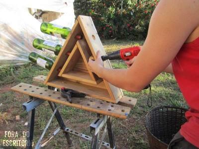 Guida passo passo per fare un portabottiglie triangolare con pallet  1