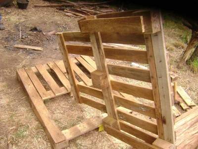 Le istruzioni su come realizzare un divano con 2 pallets loro assemblaggio 13