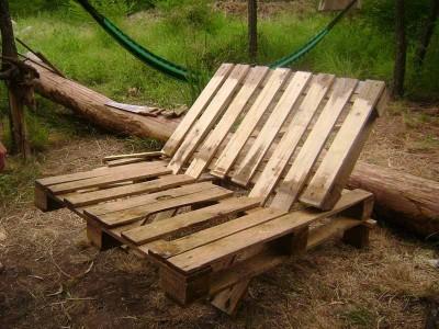 Le istruzioni su come realizzare un divano con 2 pallets loro assemblaggio 19