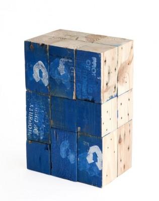 Sgabelli realizzati con blocchi di legno di pallet 3