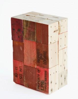 Sgabelli realizzati con blocchi di legno di pallet 4