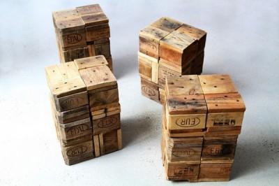 Sgabelli realizzati con blocchi di legno di palletmobili con