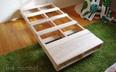 Costruire un letto per i vostri bambini con pallet 2