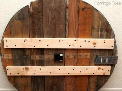 istruzioni su come costruire il proprio orologio con palletmobili con pallet mobili con pallet. Black Bedroom Furniture Sets. Home Design Ideas