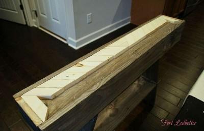 Passi e le istruzioni su come costruire una tabella pallet 3