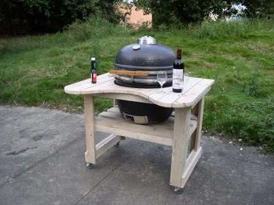 Un barbecue con i pallet 2