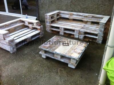 Pallet set di mobili con divani e un tavolino da caffè 2