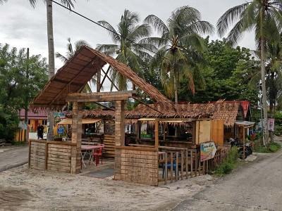 Bar e negozi realizzati con pallet1