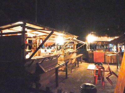Bar e negozi realizzati con pallet2