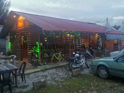 Bar e negozi realizzati con pallet8