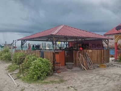 Bar e negozi realizzati con pallet9