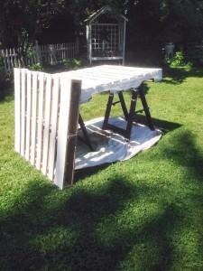 Costruire un bar con 2 pallet per il vostro giardino