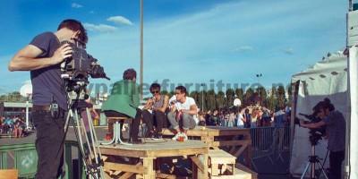 Nel festival di musica Aoutside, tutto l'ambiente è decorato con strutture fatte di pallet2
