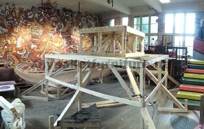 Nel festival di musica Aoutside, tutto l'ambiente è decorato con strutture fatte di pallet5