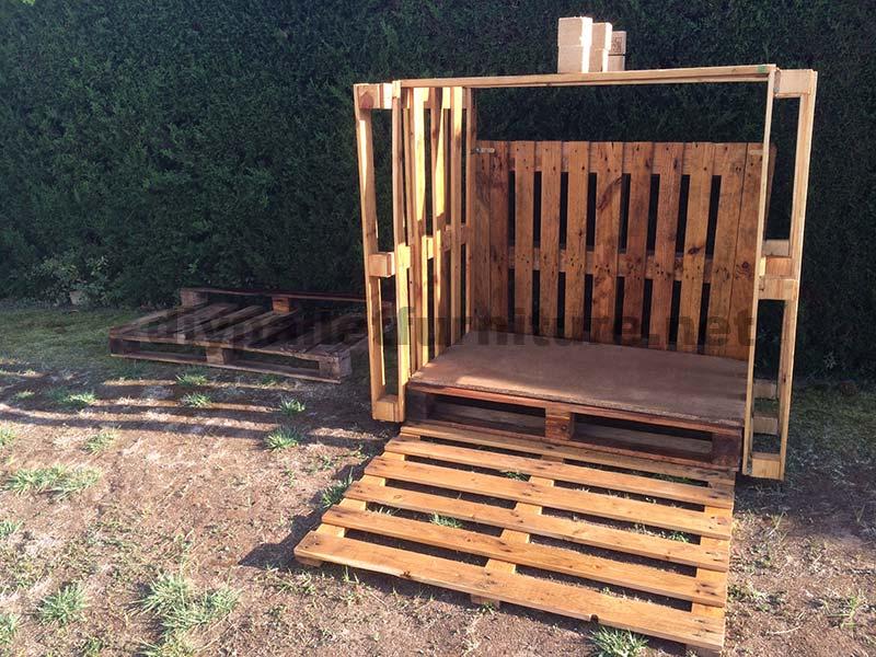 Piccola casetta per il giardino realizzato con - Giardino pallet ...