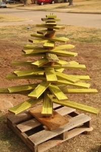 12 idee per la progettazione di un albero di Natale con i pallet6