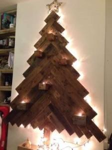 12 idee per la progettazione di un albero di Natale con i pallet8