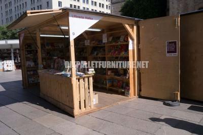 Chioschi e strutture fatte di pallet per la Setmana del Llibre en Català