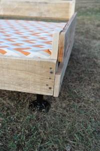 Costruire un letto pallet per i tuoi animali3