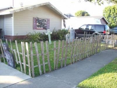 Decora il tuo giardino su Halloween con un cimitero fatta di pallet 2