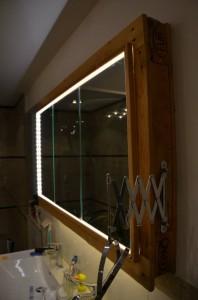 Lavello armadietto e specchio realizzato con pallet1