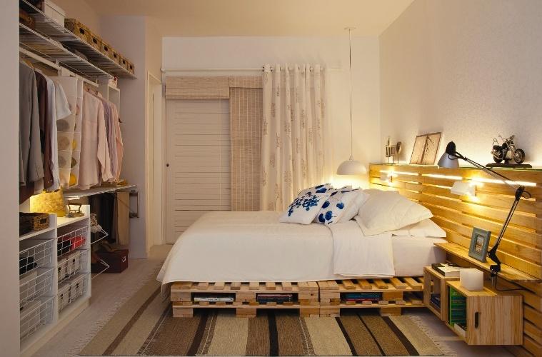 Letto Di Pallets : Camera da letto matrimoniale decorato con pallet e cassette di