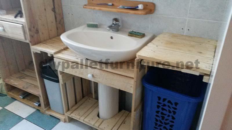 Mobili da bagno realizzato interamente in palletmobili con for Confeccionamos muebles de bano en palet