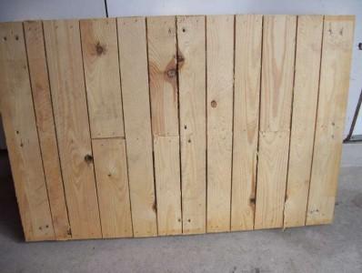 Un bel tavolo di lavoro di giardinaggio a base di pallet3
