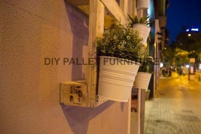 Un piantatore pallet per decorare l'ingresso della vostra casa3