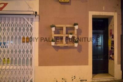 Un piantatore pallet per decorare l'ingresso della vostra casa4