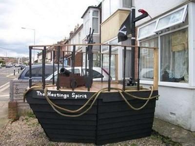 Una nave pirata realizzata con pallet1