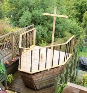 Una nave pirata realizzata con pallet4
