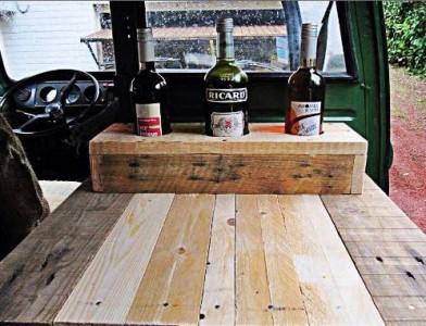 Van ristrutturato utilizzando le tabelle pallet di legno3