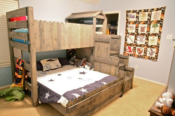 8 idee letto a castello realizzati completamente con - Fachiro letto di chiodi ...