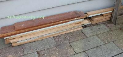 Come costruire un tavolino d'epoca per il giardino con pallet2