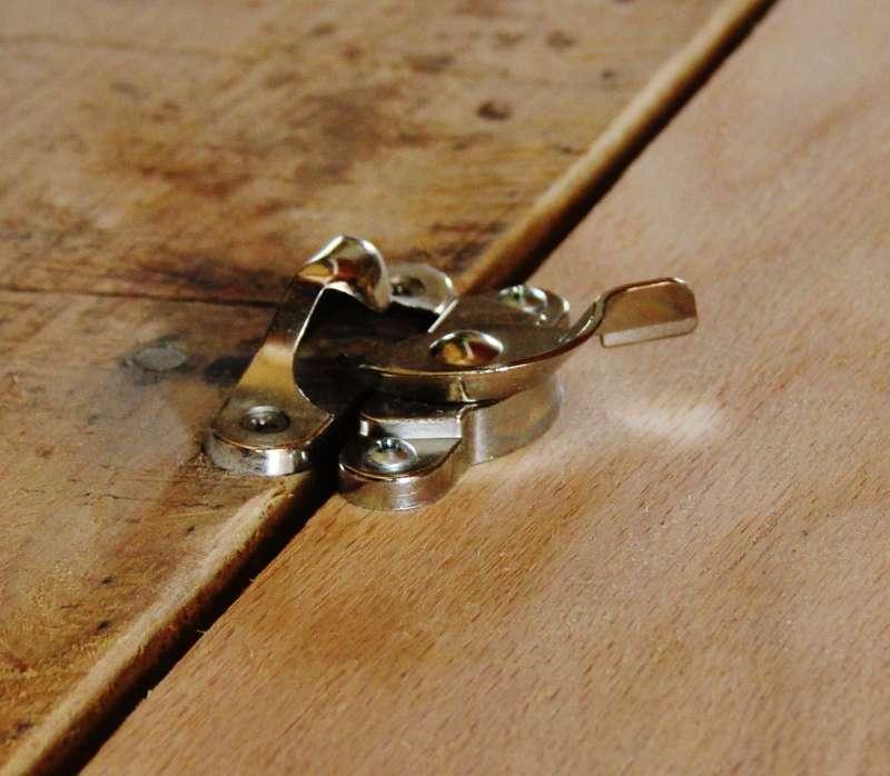 Come costruire un tavolo pieghevole scaffali passo dopo for Costruire un tavolo richiudibile