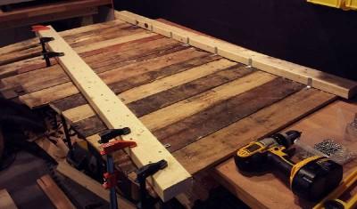 Come costruire una scrivania d'epoca per il vostro ufficio8
