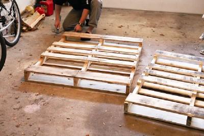 Come costruire una testata pallet per un letto per bambini2