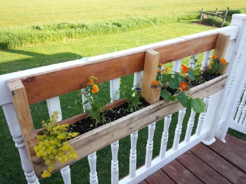 fioriere in pallet costruire 2 fioriere per una recinzione con un