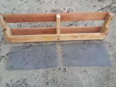 Costruire 2 fioriere per una recinzione con un pallet3