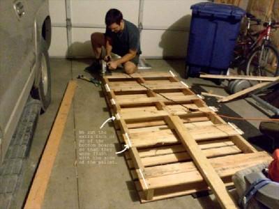 Costruire un lettino per bambini con solo due pallet2