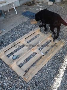 Istruzioni passo passo per costruire un tavolo salone con pallet1