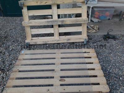 Istruzioni passo passo per costruire un tavolo salone con pallet3