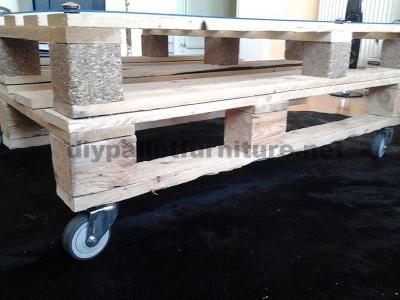Istruzioni passo passo per costruire un tavolo salone con pallet4