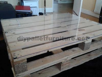 Istruzioni passo passo per costruire un tavolo salone con pallet5